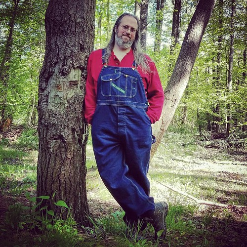 Just a casual guy in the forest #ChestnutRidge #wny #orchardpark #spring #nature #hiking #trees #overalls #dungarees #biboveralls #key #keyoveralls #bluedenim #denimoveralls #overallsarelife