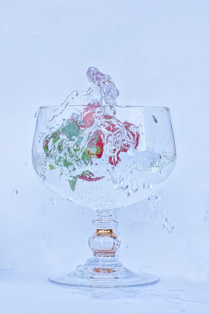 Red-green splash