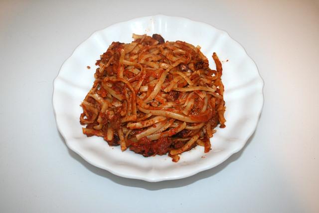 Tagliatelle in mincemeat tomato cream sauce - Resteverbrauch II / Tagliatelle in Hackfleisch-Tomaten-Sahnesauce - Resteverbrauch II