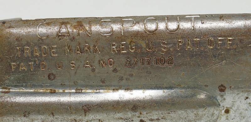 RD28715 Rare Vintage Long 23 inch Oil Can Pour Spout Flexible Flow Control Swingspout Measure Co. DSC05505