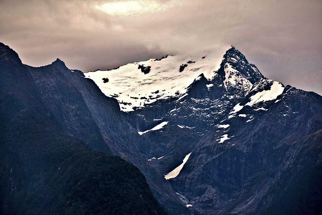 Pembrook Glacier, Milford Sound, Fjordland National Park, Piopiotahi (Milford Sound) Marine Reserve, Te Wahipounamu World Heritage Site, South Island, New Zealand