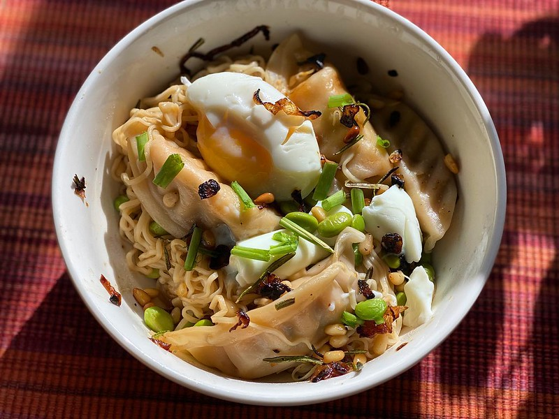 #kvpkitchen Birthday noodles for breakfast. Add a soft-boiled egg and it's breakfast. I used @ashadrynoodle Tainan Style noodles with edamame, green onions and @traderjoes salmon gyoza. NOM! #noodles #kvpinmybelly