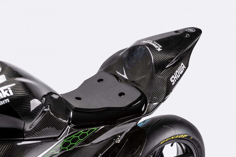 Kawasaki ZX-25R Racing Part 15