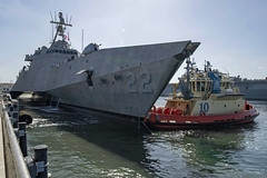 The future USS Kansas City (LCS 22) arrives at Naval Base San Diego, May 24. (U.S. Navy/MC3 Kevin C. Leitner)