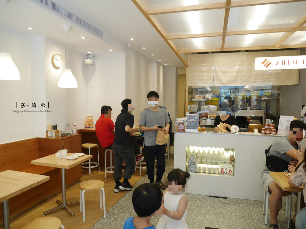 台北信義區市政府站附近人氣好吃早午餐早餐店真芳碳烤吐司紅茶牛奶 (1)