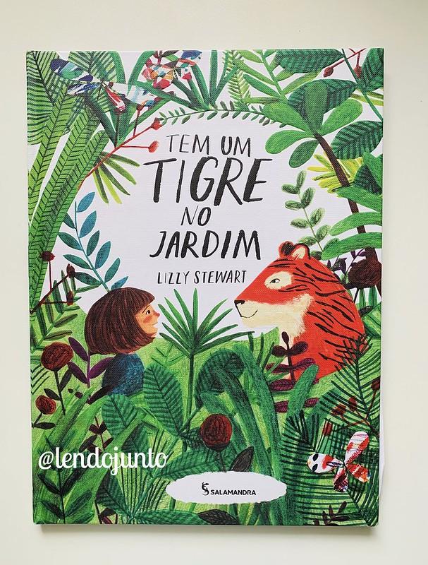 Tem Um Tigre No Jardim