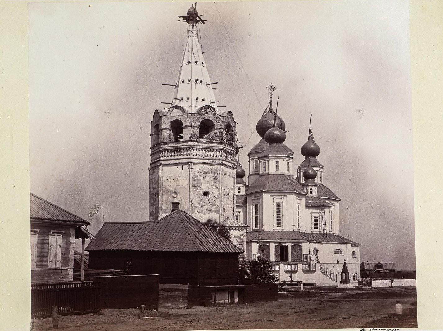 Старочеркасск. Воскресенский войсковой собор. Вид из-за шатровой колокольни
