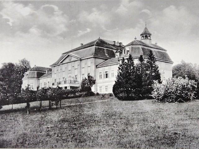 pohlednice-minulost-retro-roztez-zamek-20190804_galerie-980