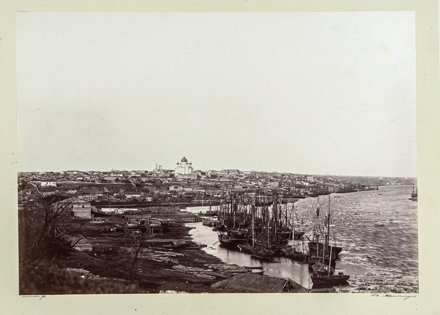Ростов. Панорамный вид города от берега реки Дон
