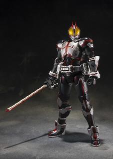坂本洋一&KOMA 優勝紀念商品 S.I.C.《假面騎士555》假面騎士Faiz(仮面ライダーファイズ)造型設計公開!