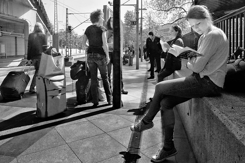 atmosphere artphotography alltag blackwhite candid city composition reading decisivemoment everyday emotion feeling frau gerhardkoersgen germany gesicht girl happenstance jeunesse körsgen köln life look lady menschen monochrome melancholy natural book outdoor perspective photographed persons passengers streetphotography scene schwarzweiss travel urban unknown unposed view walkby woman youth zufall cologne