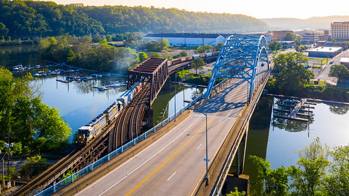 csx csxmonsub csxpittsburghsub csxt6113 csxt6541 d768 dji djimavic2pro drone mavic mavic2pro mckeesport mckeesportmarina monriver monongahelariver sunrise youghriver youghioghenyriver aerialphotography dronephotoaerial dronephotography local marina morning railroad trains