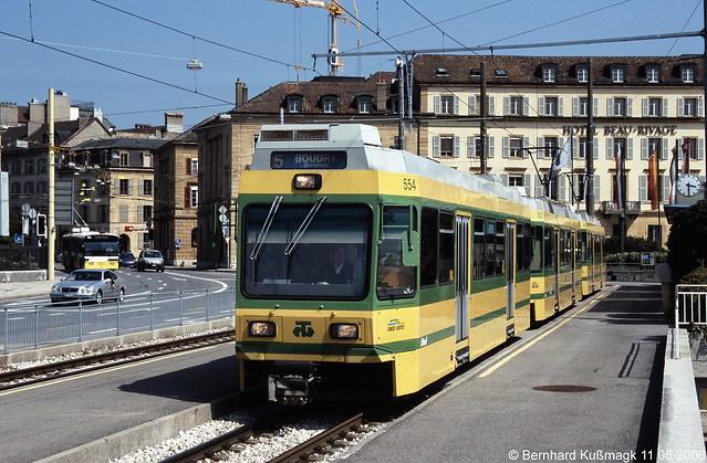 Europa, Schweiz, Kanton Neuchâtel, Neuchâtel, Quai Philippe Godet, Endhaltestelle Place Pury