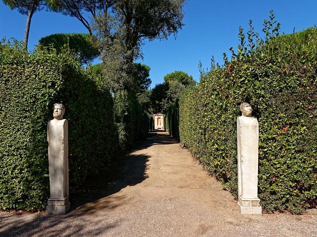Rome Medici Villa / Garden