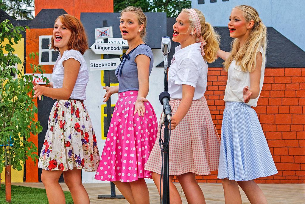 Four happy girls!