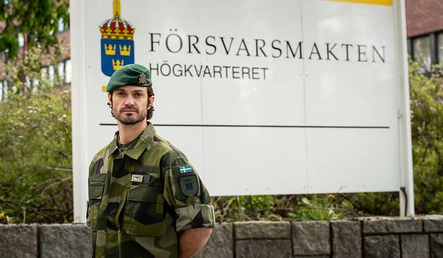 Prins Carl Philip van Zweden dient op hoofdkwartier van de strijdkrachten (2020)