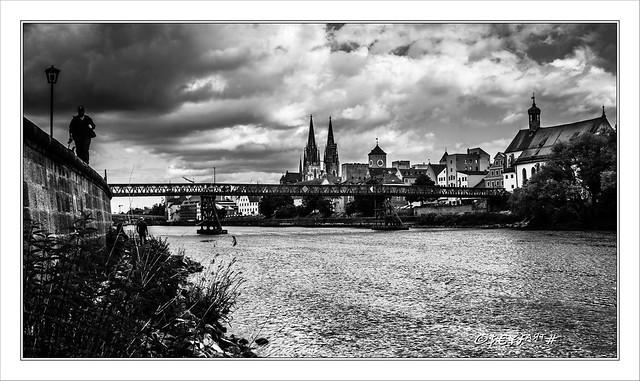 Living in a Ghost Town: Regensburg is german Corona-Hotspot (25.5.2020)
