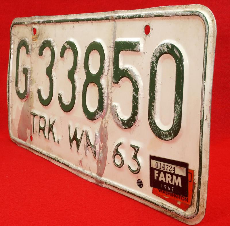 RD8105 Vintage 1963 Washington Truck License Plate G33850 1967 FARM Sticker DSC05641