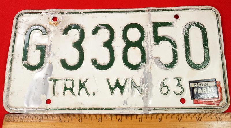RD8105 Vintage 1963 Washington Truck License Plate G33850 1967 FARM Sticker DSC05634