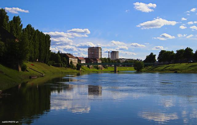 River Kupa in blue & green