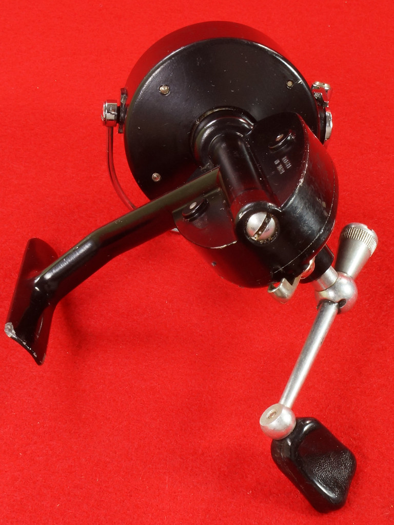 RD17658 Vintage GARCIA MITCHELL 300 Fishing Reel Made in France DSC05727