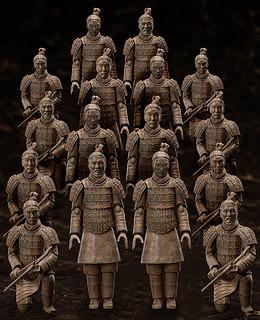 沉睡千年的古代兵隊動起來!figma「桌上美術館-分館-」 兵馬俑( ふぃぐま へいばよう)可動人偶