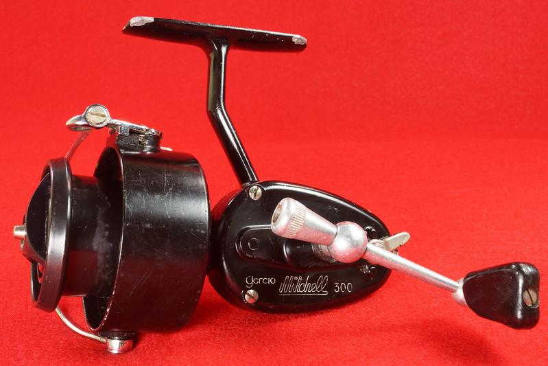 RD17658 Vintage GARCIA MITCHELL 300 Fishing Reel Made in France DSC05738