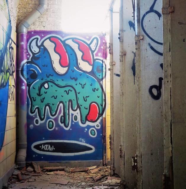 #Ghent update : somewhere hidden where it's good to use your nose, work by #Kiuw. . #Gent #streetart #urbanart #graffitiart #graffiti #muralpainting #streetartbelgium #graffitibelgium #visitgent #muralart #streetartlovers #graffitiart_daily #streetartever