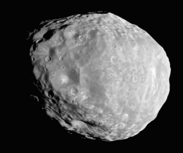 VCSE - A Janus nevű szaturnuszhold a Cassini űrszonda 2010. április 7-i felételén. - Forrás: Cassini, NASA/JPL