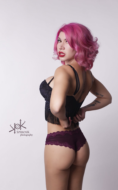 Lingerie Portraits with Vasilia Niles (getting ready)