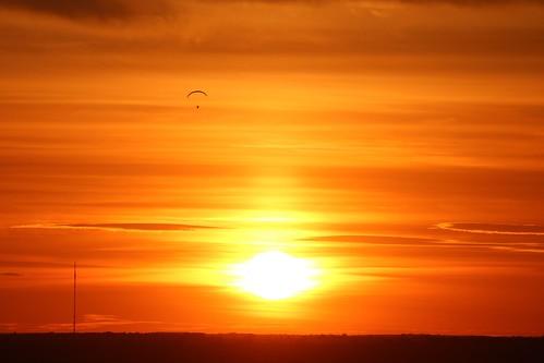 royston sunset therfieldheath hertfordshire england unitedkingdom uk evening sky orange paraglider canoneos750d