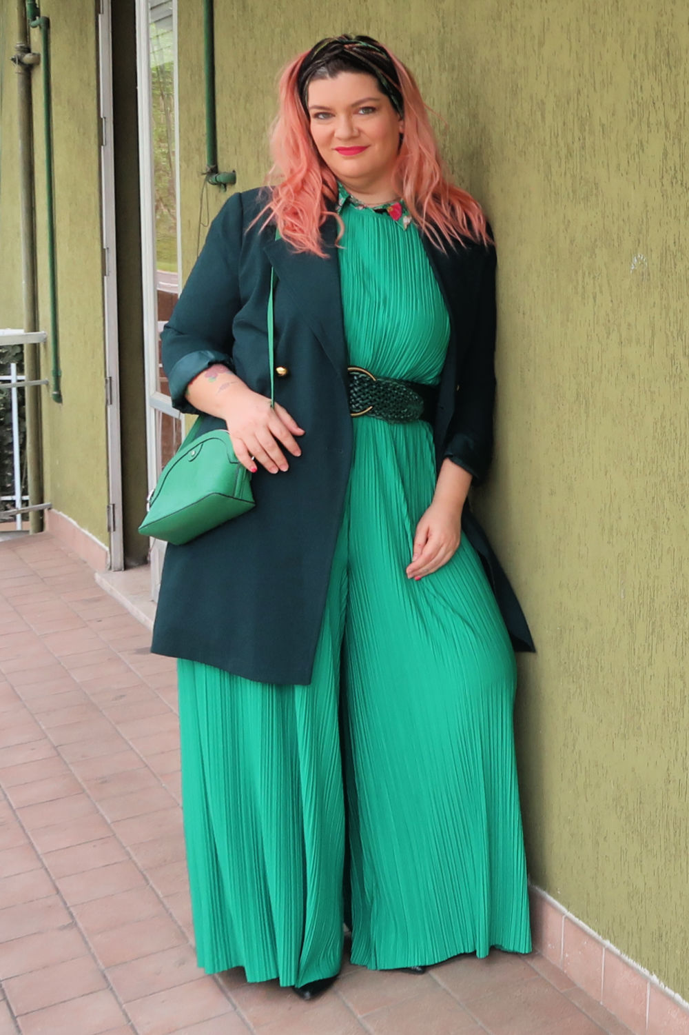 Verde, outfit plus size, curvycolorchallenge , come indossarlo (4)