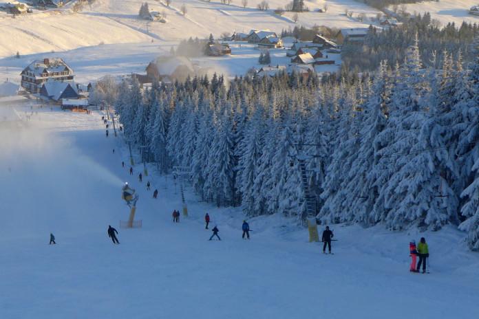 České skiareály vítají snížení DPH u skipasů