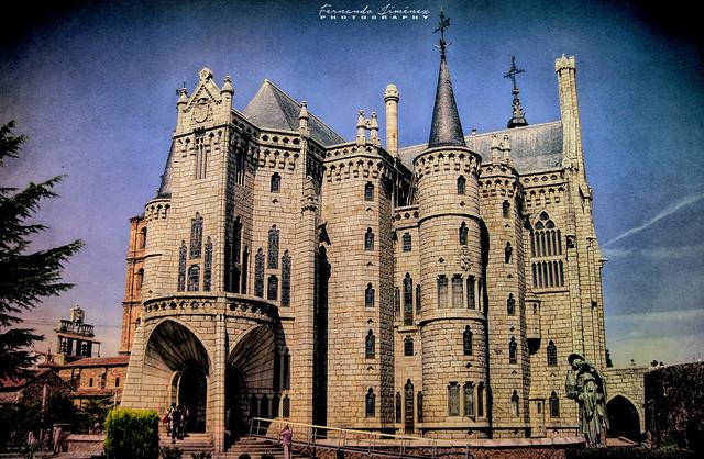Palacio Episcopal/Episcopal palace (Astorga)