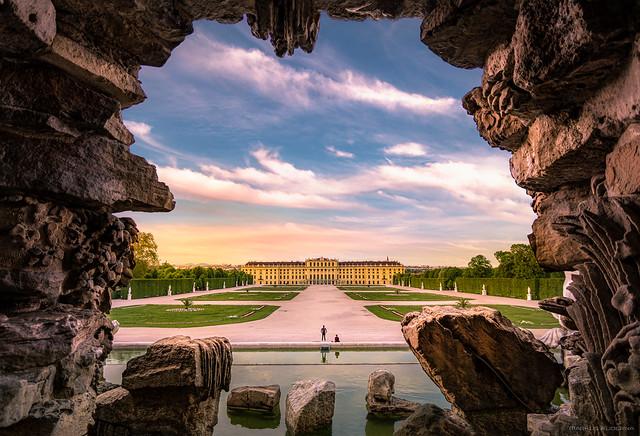Schönbrunn Neptunbrunnen