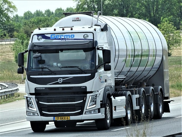 Volvo FM milktanker from Germo logistiek / FrieslandCampina Holland.