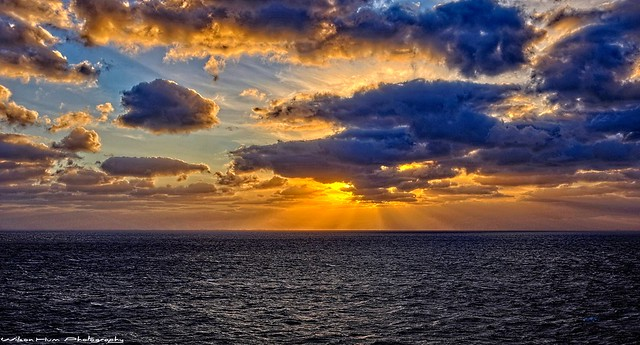 Crepuscular Cumulus sunset over the Atlantic