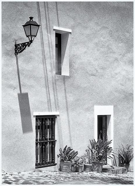 Farol y Sombra (Lamp & Shadow)