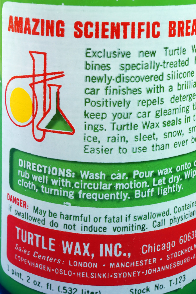 RD28734 Vintage 1974 High Gloss Turtle Wax Car Wax 18 Oz. Green Glass Bottle Made In USA T-123 DSC05865