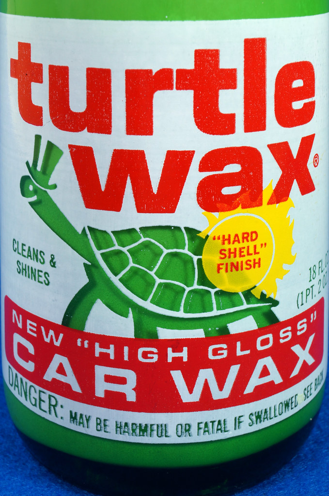 RD28734 Vintage 1974 High Gloss Turtle Wax Car Wax 18 Oz. Green Glass Bottle Made In USA T-123 DSC05864