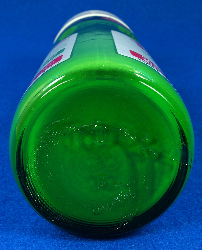 RD28734 Vintage 1974 High Gloss Turtle Wax Car Wax 18 Oz. Green Glass Bottle Made In USA T-123 DSC05862