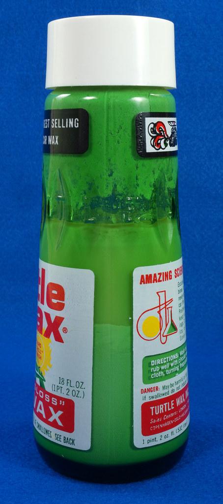 RD28734 Vintage 1974 High Gloss Turtle Wax Car Wax 18 Oz. Green Glass Bottle Made In USA T-123 DSC05858