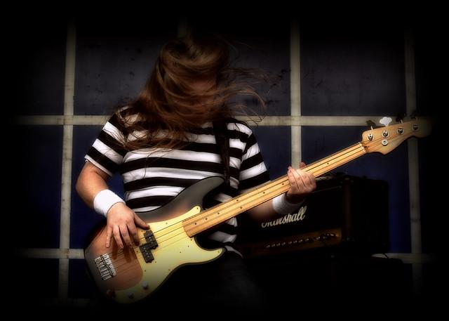 Fender Bass..