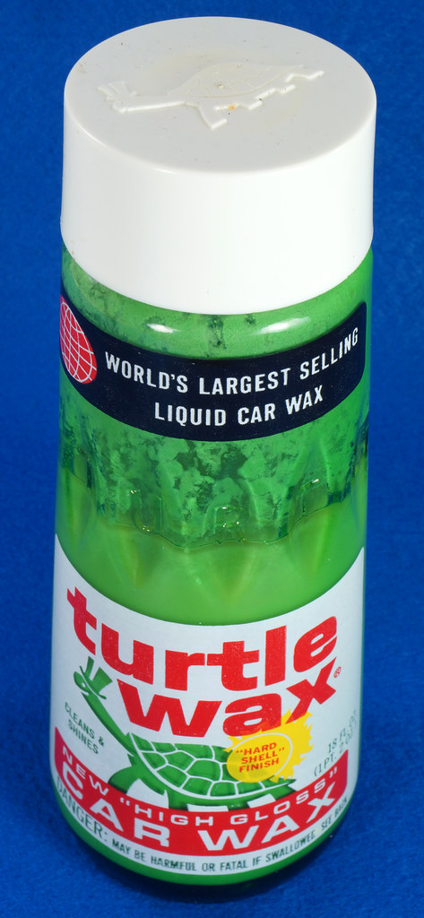 RD28734 Vintage 1974 High Gloss Turtle Wax Car Wax 18 Oz. Green Glass Bottle Made In USA T-123 DSC05856