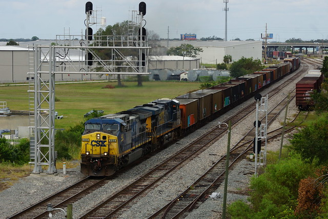 CSXT Q453 AT AUBURNDALE, FL