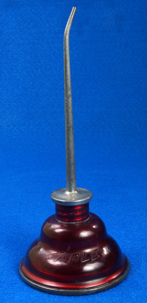 RD29098 Rare Vintage Eagle Oil Can Hand Oil Dropper Transparant Red Plastic Oiler NICE DSC05898