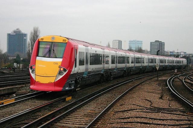 101684 460008 Clapham Junction 04.12.2004