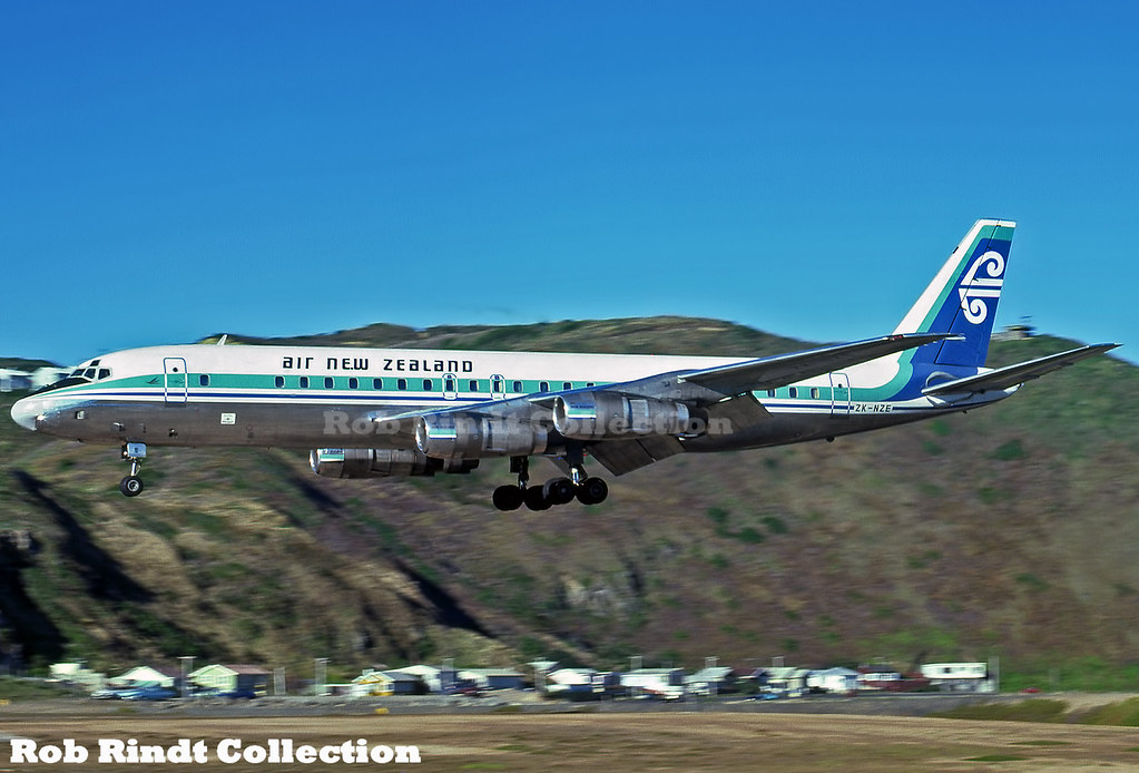 Air New Zealand DC-8-52 ZK-NZE