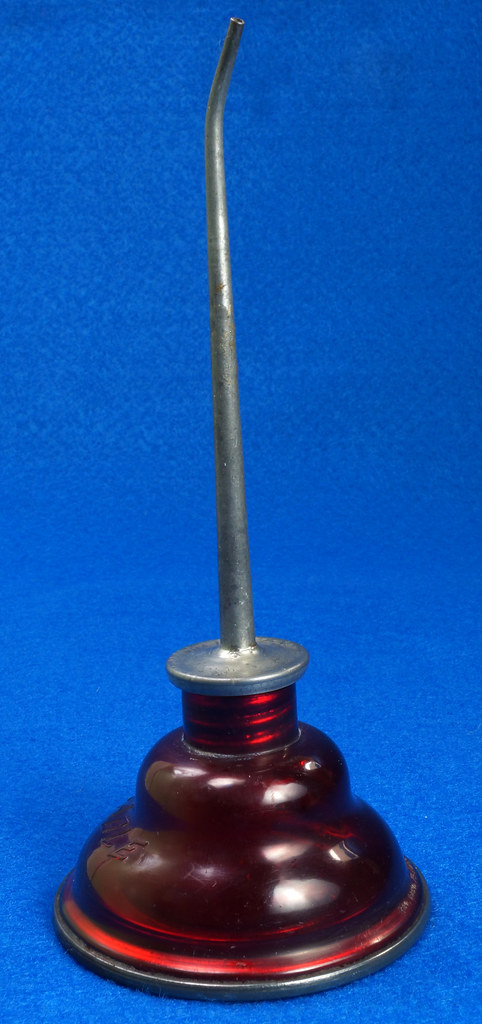 RD29098 Rare Vintage Eagle Oil Can Hand Oil Dropper Transparant Red Plastic Oiler NICE DSC05899