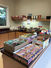 Friends of East-West Center Pandemic Food Drive